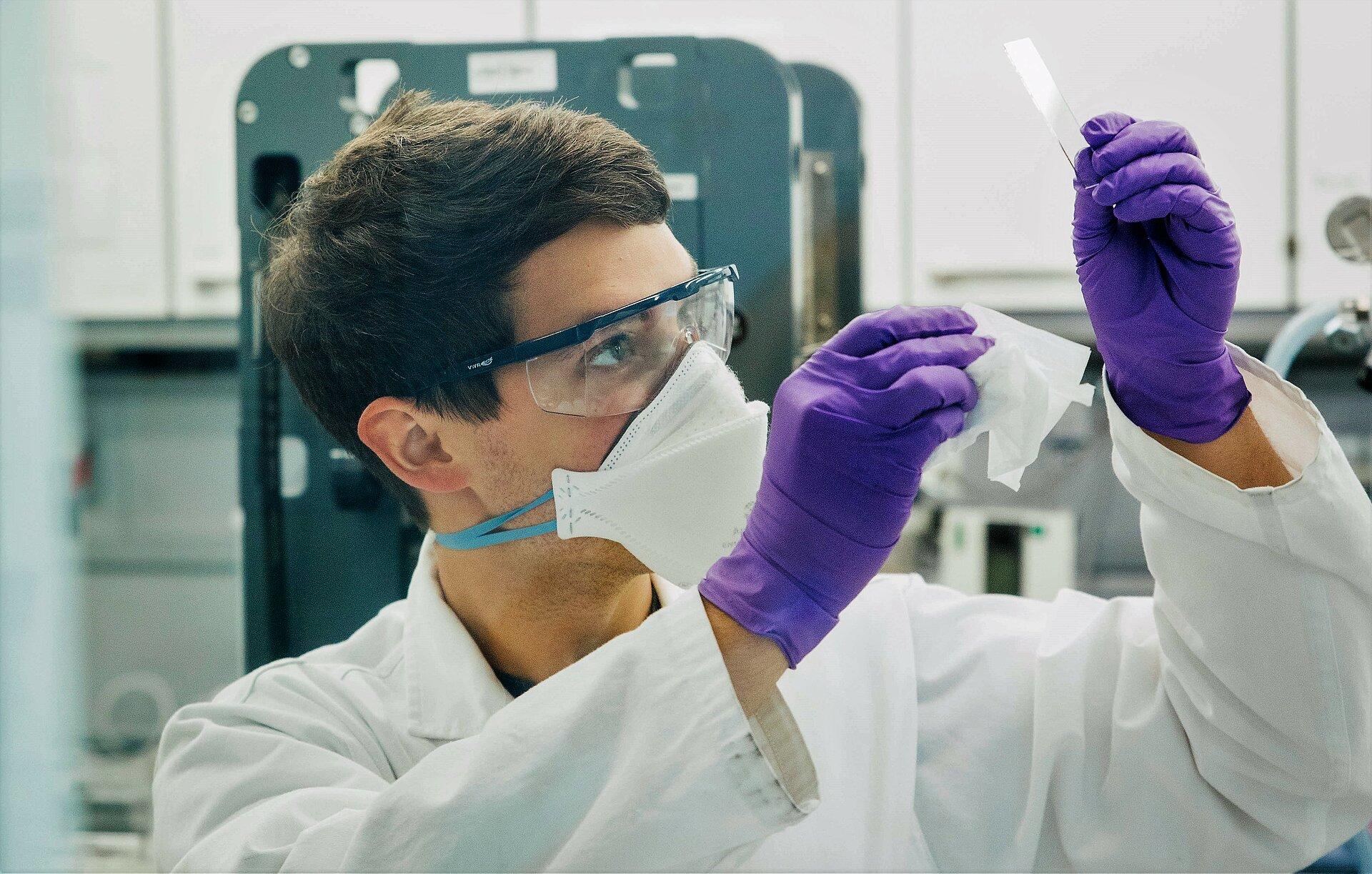 Forscher im Trockenraum